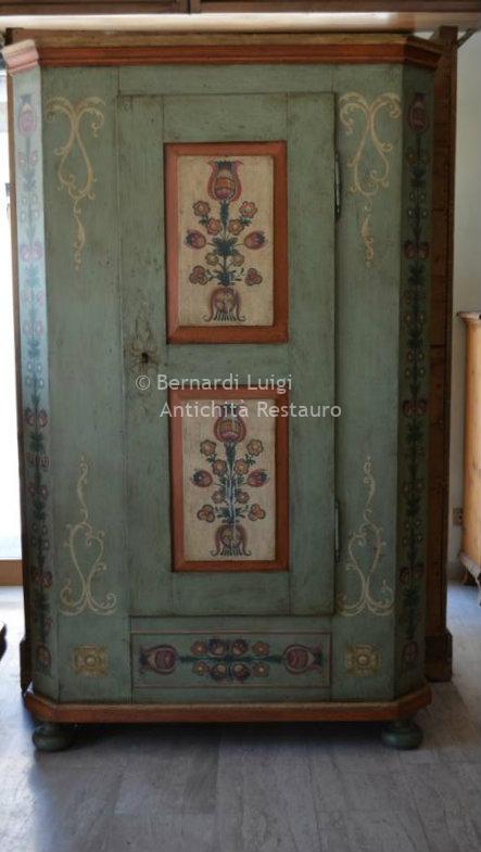 Bernardi Luigi - Mobili antichi, mobili rifatti e restauro mobili ...