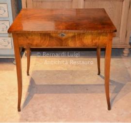 Bernardi luigi mobili antichi e mobili in stile bassano for Mobili bassano del grappa